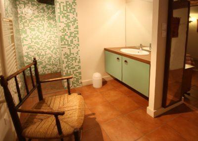 Gîte St Jean Pied de Port Xoriekin - Salle de douche du bas