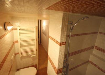 Xoriekin - Salle de douche du haut - Gîte St Jean Pied de Port